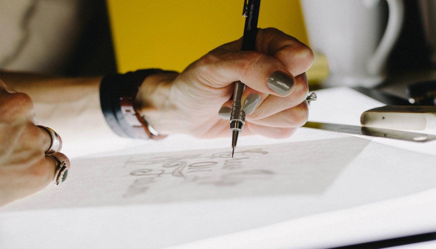 como criar um logo