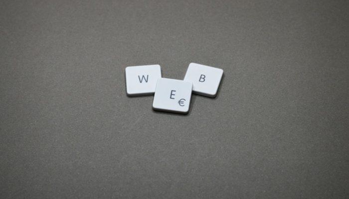 8 siglas do marketing digital e o que significam