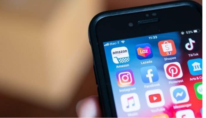 Tela de smartphone mostra ;icones de aplicativos, com foco para o da Shopee
