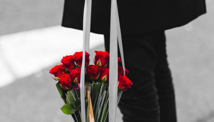 Sacola com flores compradas