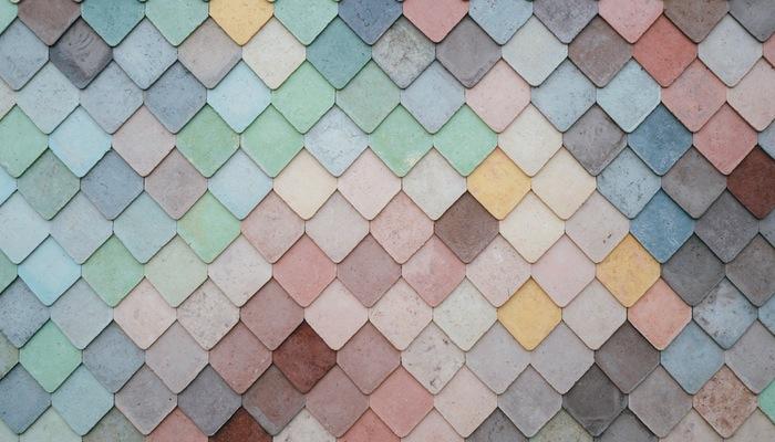 Telhas coloridas representam o layout de loja virtual