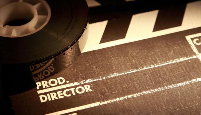 Claquete e rolo representam o vídeo de produtos
