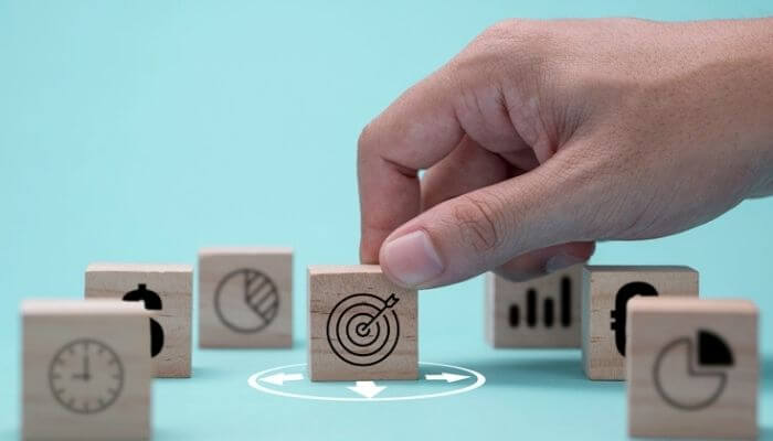 imagem ilustrativa das etapas de venda: Prospecção, Qualificação, Abordagem, Apresentação e demonstração, Follow up (ou sondagem), Negociação, Fechamento